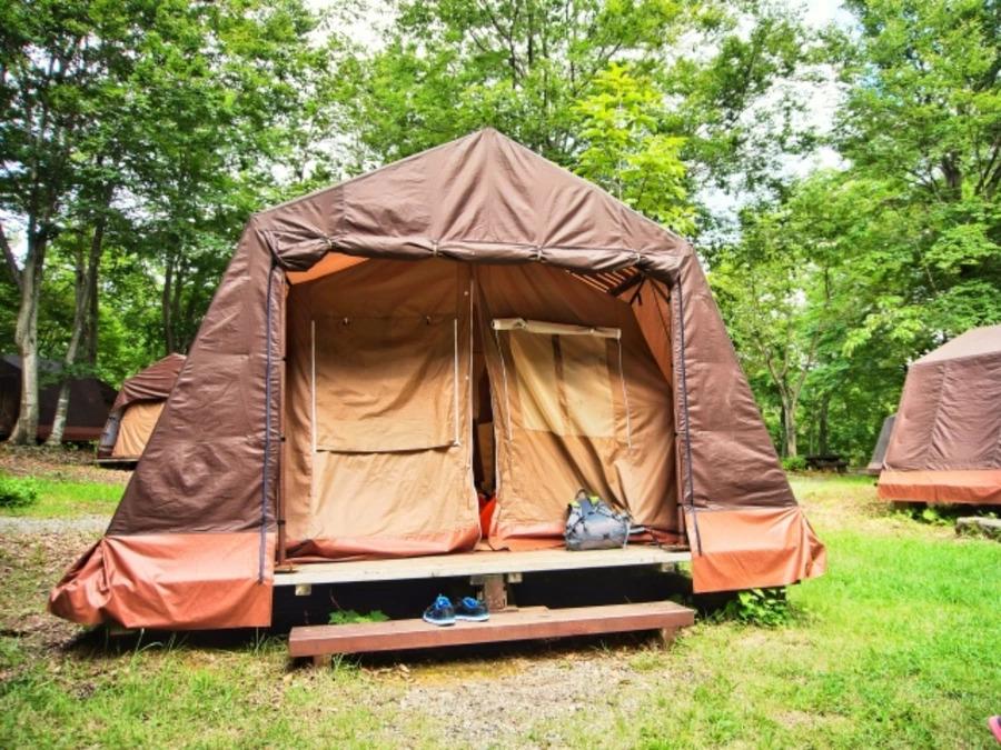 キャンプでお座敷スタイルがおしゃれ!作り方やデメリットもチェック