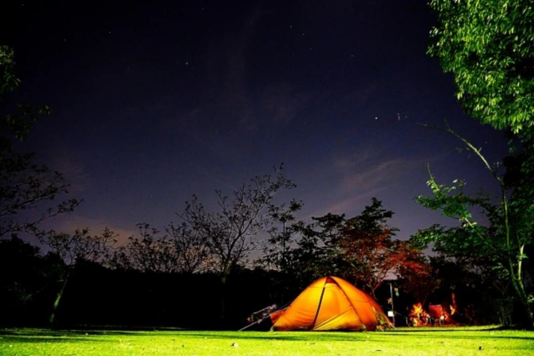 キャンプ場で快適に眠ろう!安眠のためのオススメアイテムは?