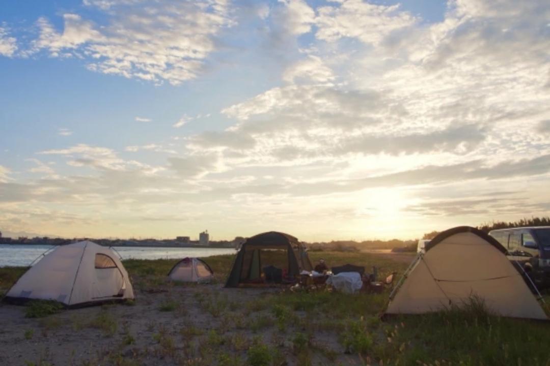 テントを張るコツは?キャンプ場に着いてからやること